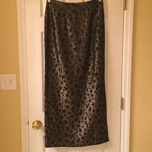 JS Collections full length skirt Sz 8, black/mocha